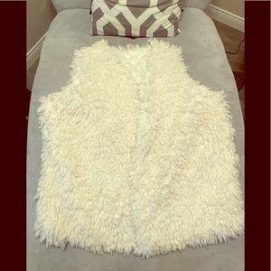 NWT Bongo Plus White Faux Fur Vest Sizes 2X, 3X